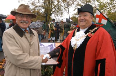 richard-holmes-with-mayor-of-hounslow