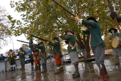 hampdens-regiment-fire-a-volley
