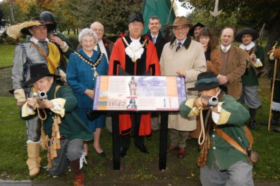 unveiling-the-battlefield-trail-info-board-on-chiswick-back-common